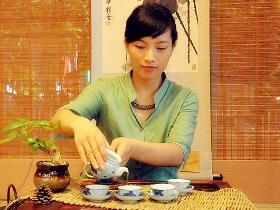建国时期描写种茶的诗歌《颂乌岽青年》注释赏析_关于凤凰单丛的茶诗茶歌
