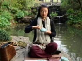 [关于茶的美文]席地而坐,煮水啜茗,心安之处,即是归所