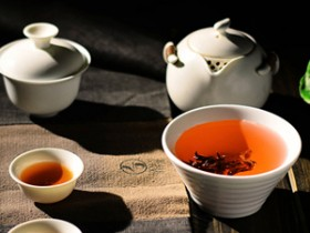 赞美普洱茶的精美现代茶诗《普洱茶》赏析_关于改革开放政策好的茶诗