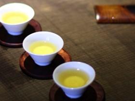 描写新茶的精美诗句《普洱茶》赏析_关于茶汤芳香四溢的茶诗妙句