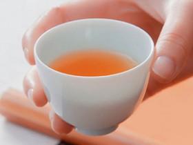 描写普洱的唯美现代茶诗《沁园春·普洱茶》赏析_关于普洱茶文化的诗句