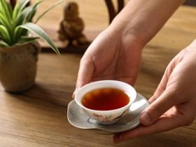 现代诗人林凯旋《咏英德红茶》(3)注释赏析_描写英德红茶的精美茶诗