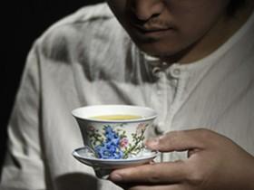 描写普洱茶文化的现代茶诗《古茶》赏析_有情调的茶诗妙句