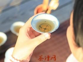 古代最早描写武夷岩茶大红袍的茶诗《武夷茶》赏析_关于品茶的精美诗句