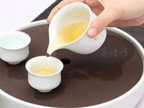 经典现代茶诗《心性修身养俭德 神香禅味留人间》赏析_描写茶的禅诗妙句