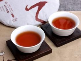 描写普洱女儿茶的精美茶诗《贺圣朝·思茅茶都吟》赏析_关于女儿茶的简介