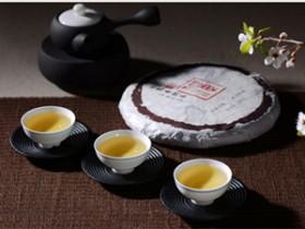 清代描写普洱贡茶的古诗《赐贡茶二首》其一赏析_关于普洱茶文化的诗句