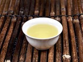 赞美铁观音春茶/夏茶/秋茶的现代茶诗《咏安溪铁观音》赏析_与茶结缘的诗句