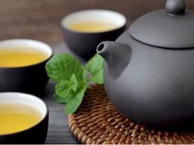 精美的现代茶诗《普洱茶送北京》赏析_描写普洱茶闻名天下/名扬四海的诗句
