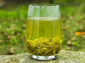 【如何鉴赏老竹大方】三大品级:顶谷大方、清音大方、竹叶大方茶的品质鉴赏